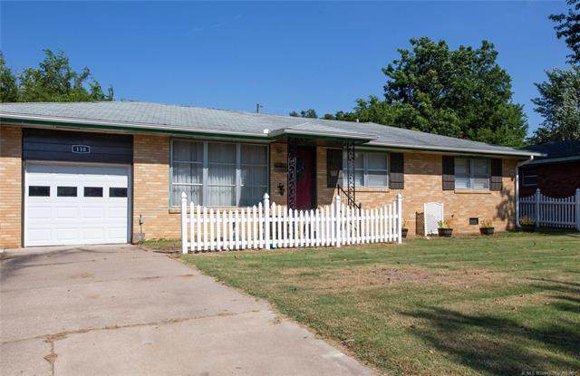 138 NE Wilshire Avenue, Bartlesville, OK 74006 (MLS #2127039) :: Owasso Homes and Lifestyle