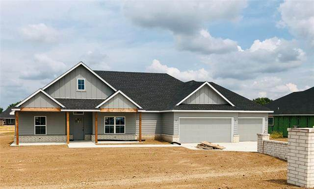 2412 W Union Street, Collinsville, OK 74021 (MLS #2127176) :: Owasso Homes and Lifestyle