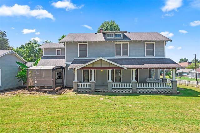 204 E Pecan Street, Coweta, OK 74429 (MLS #2127345) :: Owasso Homes and Lifestyle