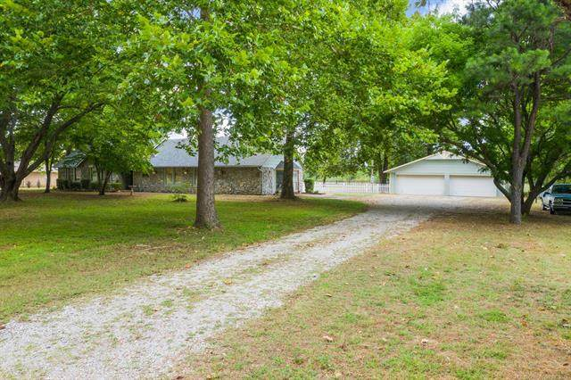 15837 E Pony Lake Drive, Claremore, OK 74019 (MLS #2127407) :: Hopper Group at RE/MAX Results