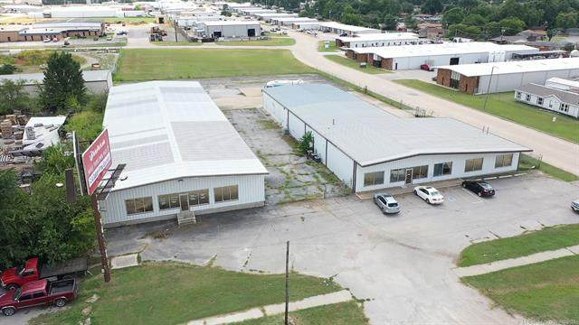 12204 E Admiral Place, Tulsa, OK 74116 (MLS #2127696) :: Active Real Estate