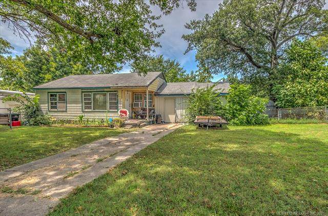 1507 S Elm Avenue, Bartlesville, OK 74003 (#2127726) :: Homes By Lainie Real Estate Group
