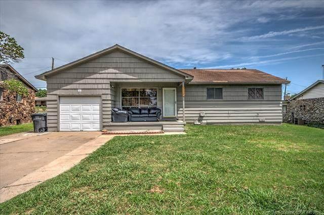 332 SE Greystone Avenue, Bartlesville, OK 74006 (MLS #2127729) :: 918HomeTeam - KW Realty Preferred