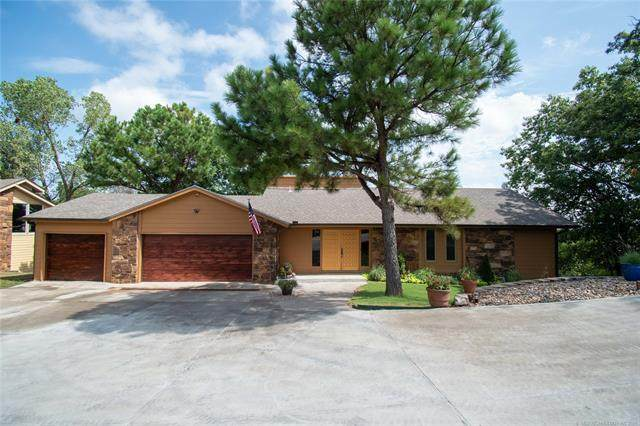 617 N Oakridge Drive, Sand Springs, OK 74063 (MLS #2128434) :: Owasso Homes and Lifestyle