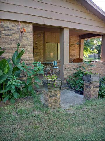 307 S 7th Street, Davis, OK 73030 (MLS #2128443) :: Owasso Homes and Lifestyle