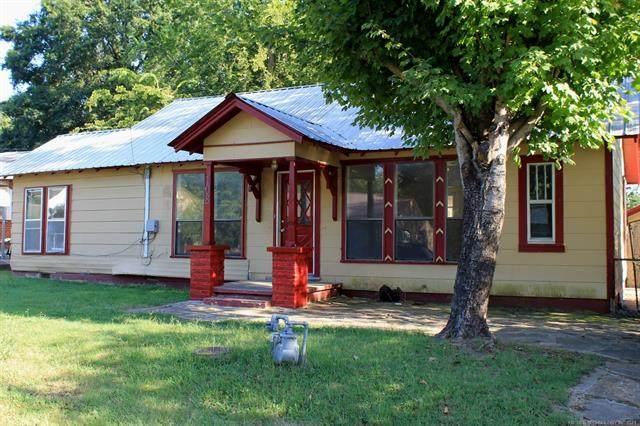 108 E Vine Avenue, Sallisaw, OK 74955 (MLS #2128466) :: Owasso Homes and Lifestyle
