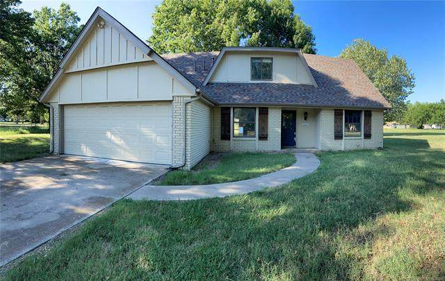 15605 E 94th Street North, Owasso, OK 74055 (MLS #2128663) :: Hopper Group at RE/MAX Results