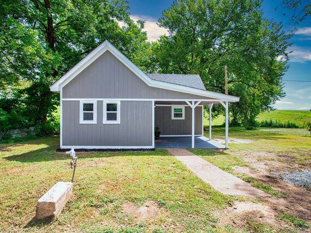 305 N Drown Street, Cleveland, OK 74020 (MLS #2128777) :: Owasso Homes and Lifestyle