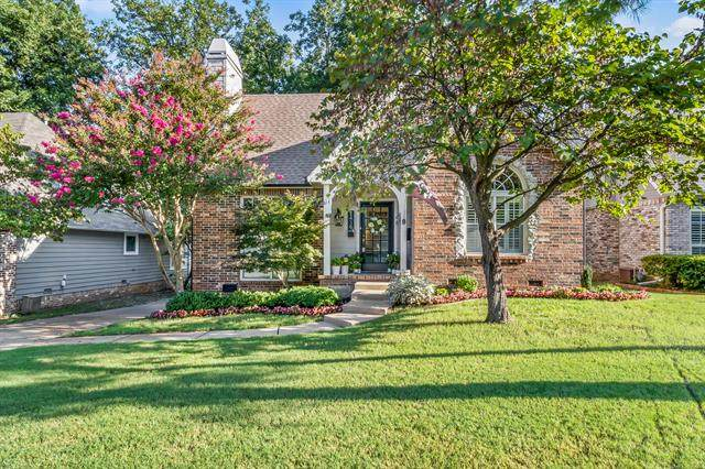 2439 E 17th Place, Tulsa, OK 74104 (MLS #2129173) :: Owasso Homes and Lifestyle