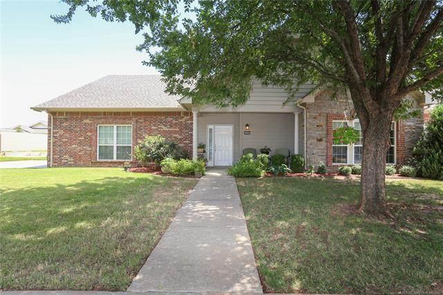 10243 S 95th East Avenue, Tulsa, OK 74133 (MLS #2129216) :: Owasso Homes and Lifestyle