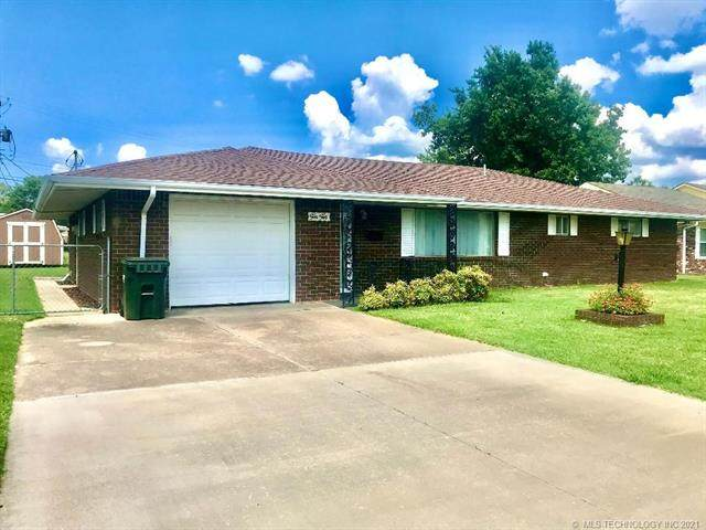 1010 E 12th Street, Cushing, OK 74023 (MLS #2129378) :: Active Real Estate