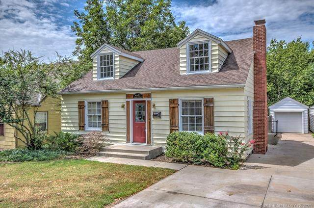 2067 Dewey Avenue, Bartlesville, OK 74003 (MLS #2129572) :: Owasso Homes and Lifestyle