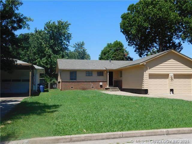 2810 S Joplin Avenue, Tulsa, OK 74114 (MLS #2129584) :: 918HomeTeam - KW Realty Preferred