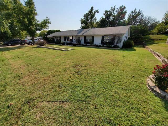 1307 8th Street, Pawnee, OK 74058 (MLS #2129797) :: Owasso Homes and Lifestyle