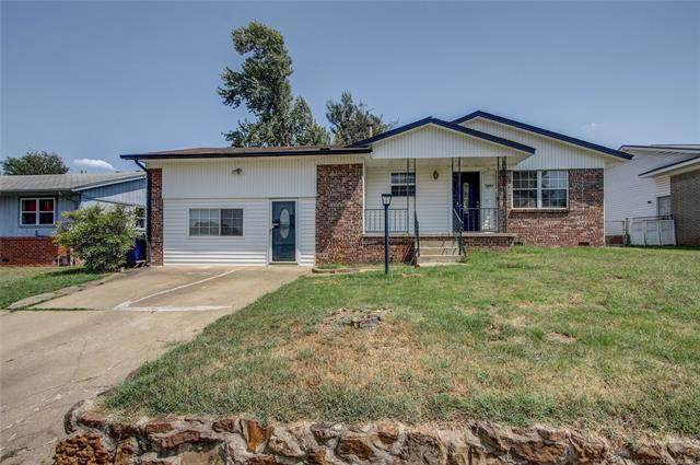 4837 S Nogales Avenue, Tulsa, OK 74107 (MLS #2130848) :: Hopper Group at RE/MAX Results