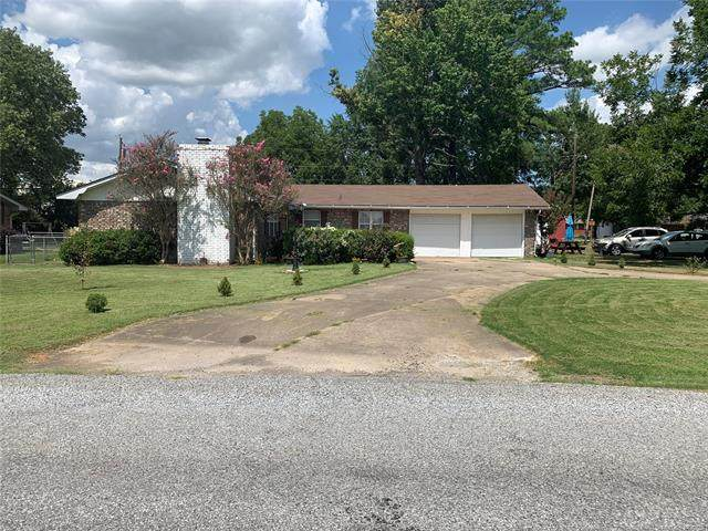 601 NW Mimosa Drive, Stigler, OK 74462 (MLS #2130966) :: Active Real Estate