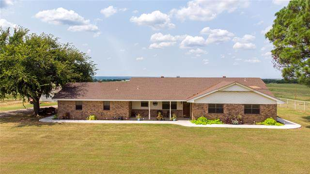 1686 Chickasaw Trail, Davis, OK 73030 (MLS #2130984) :: 918HomeTeam - KW Realty Preferred
