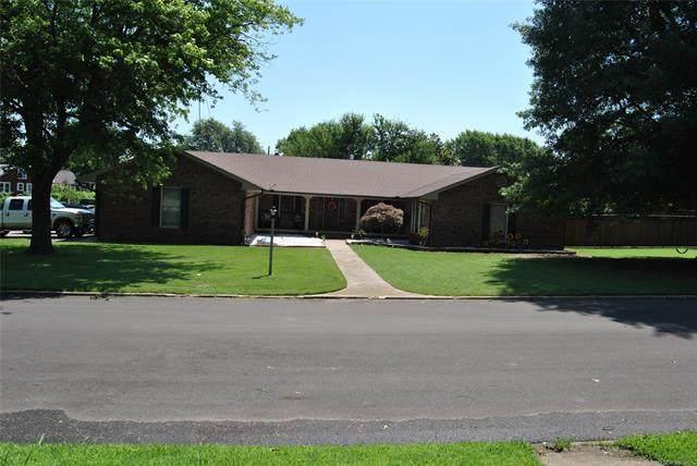 602 S 4th, Okemah, OK 74859 (MLS #2131155) :: Owasso Homes and Lifestyle