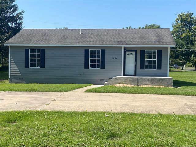 2221 Euclid Street, Muskogee, OK 74401 (MLS #2131386) :: Active Real Estate