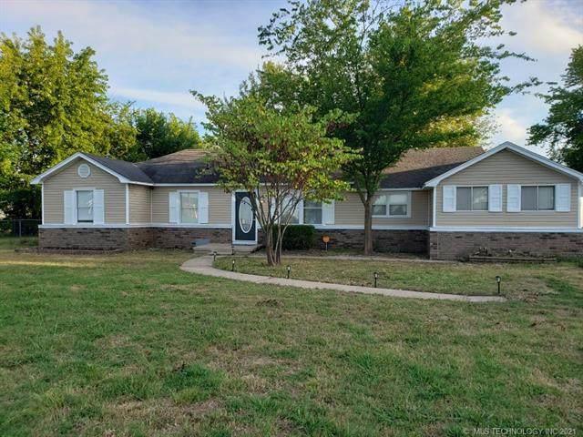 1530 NE 1st Street, Pryor, OK 74361 (MLS #2131428) :: Active Real Estate