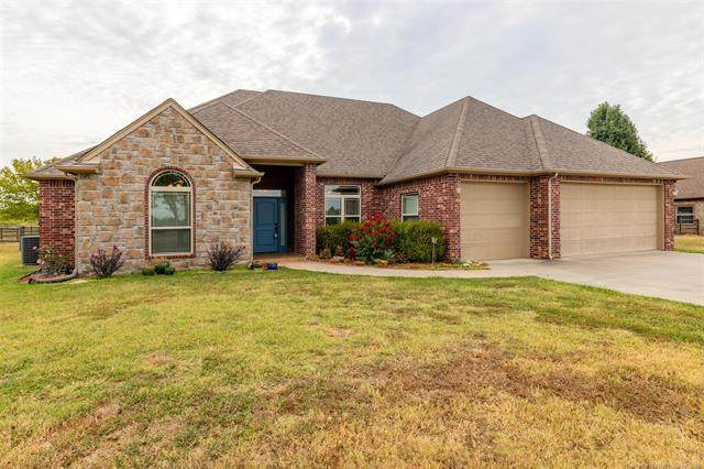 2221 S Osage Avenue, Skiatook, OK 74070 (MLS #2131546) :: Hopper Group at RE/MAX Results