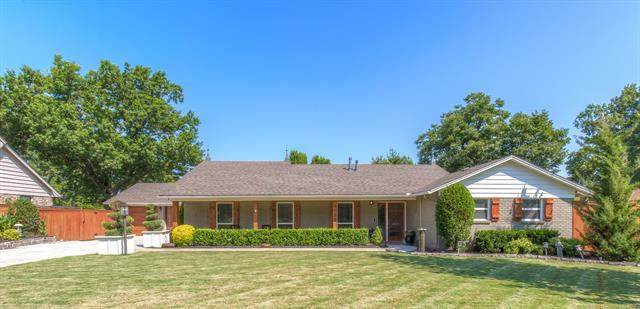 6055 E 57th Place, Tulsa, OK 74135 (#2131634) :: Homes By Lainie Real Estate Group