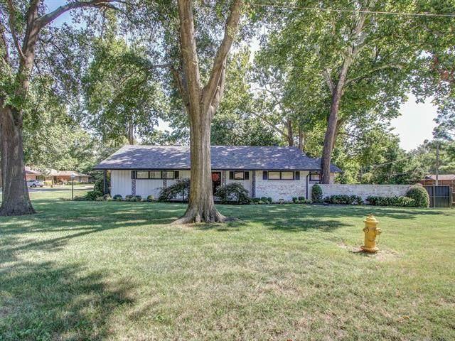 3136 E 38th Street, Tulsa, OK 74105 (MLS #2131641) :: 918HomeTeam - KW Realty Preferred