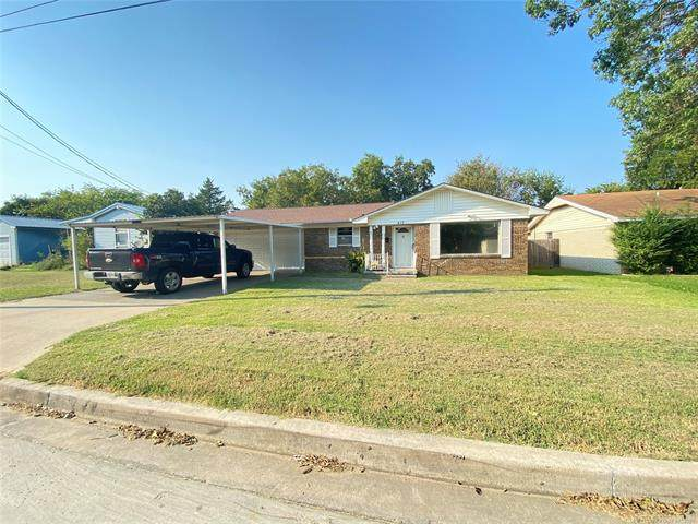417 15th Avenue NW, Ardmore, OK 73401 (#2131646) :: Homes By Lainie Real Estate Group