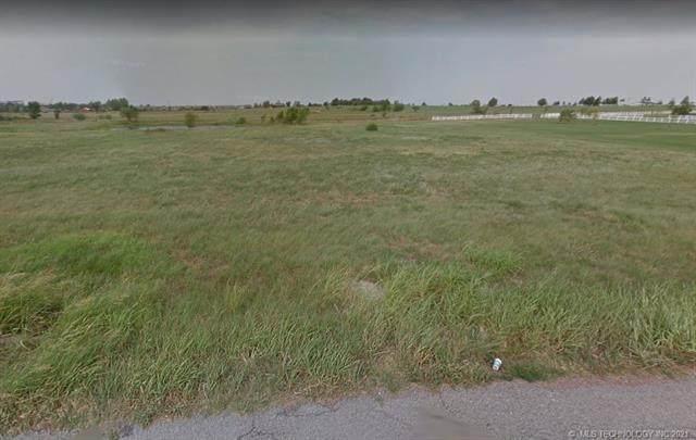 N 151st East Avenue, Owasso, OK 74055 (MLS #2131649) :: 918HomeTeam - KW Realty Preferred