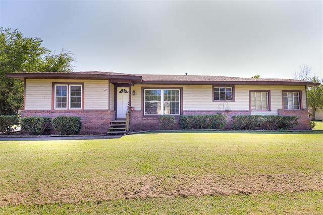 907 N Broadway Avenue, Haskell, OK 74436 (MLS #2131720) :: Owasso Homes and Lifestyle