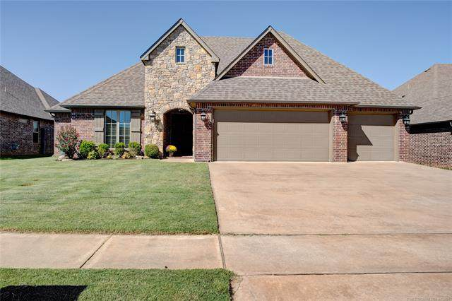 7501 E 83rd Place N, Owasso, OK 74055 (MLS #2131750) :: Hopper Group at RE/MAX Results
