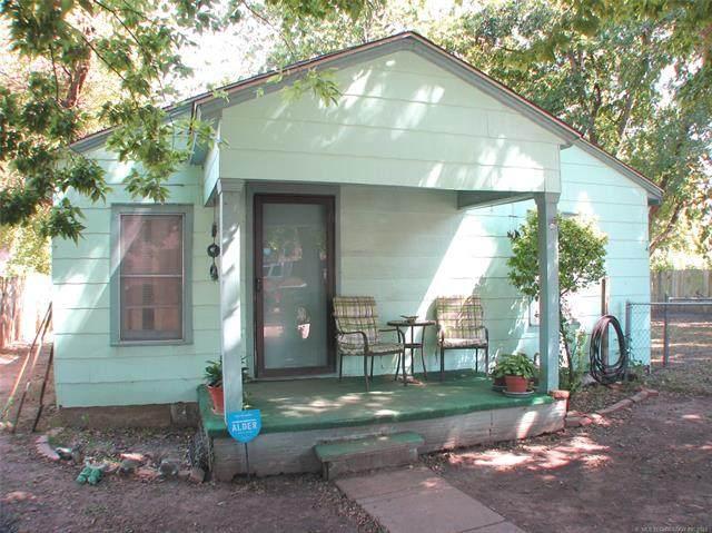 1723 N Atlanta Place, Tulsa, OK 74110 (MLS #2131896) :: 918HomeTeam - KW Realty Preferred