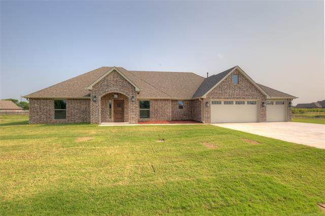 14216 N 69th East Avenue, Collinsville, OK 74021 (MLS #2131938) :: Owasso Homes and Lifestyle