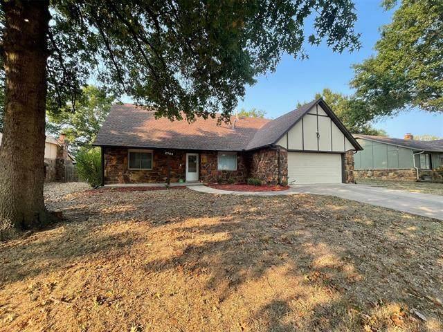 2704 E Dallas Street, Broken Arrow, OK 74014 (MLS #2132189) :: Owasso Homes and Lifestyle