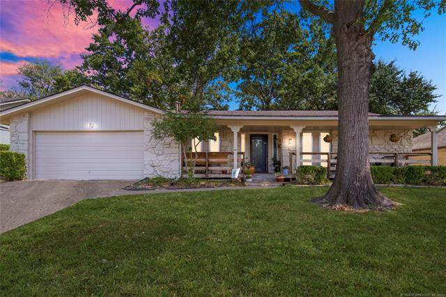 7507 S 77th East Avenue, Tulsa, OK 74133 (#2132209) :: Homes By Lainie Real Estate Group