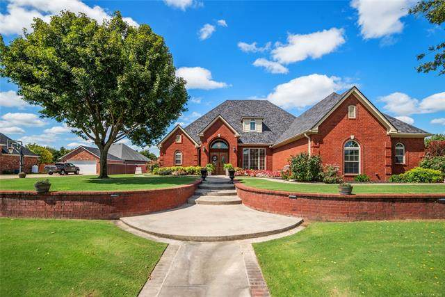 1113 Springfield Court Court, Durant, OK 74701 (MLS #2132354) :: 580 Realty