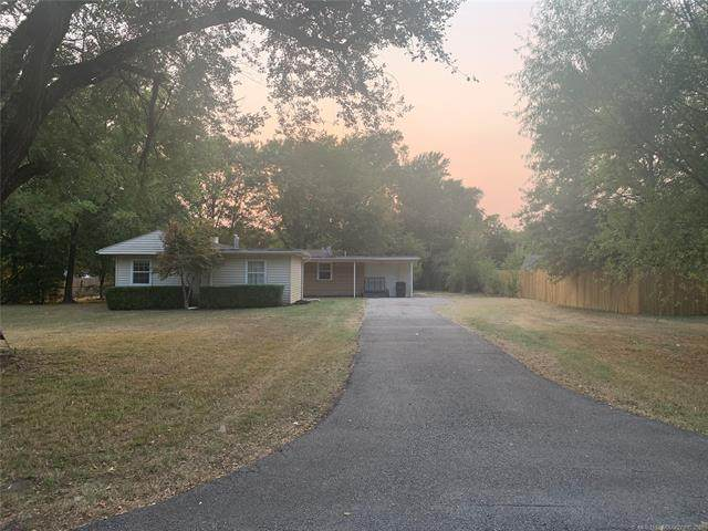 1407 East Drive, Bartlesville, OK 74006 (MLS #2132497) :: Active Real Estate