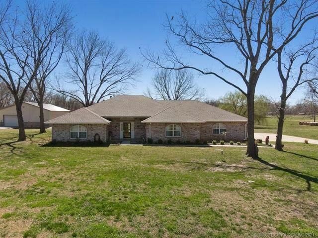 5242 E 545 Road, Locust Grove, OK 74352 (MLS #2132572) :: Active Real Estate