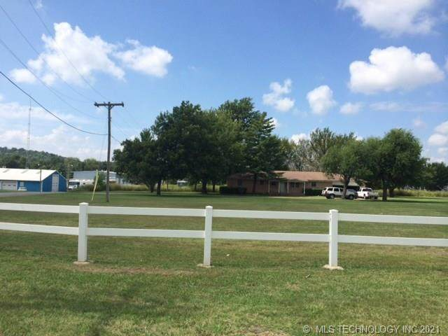 2375 N 32nd Street, Muskogee, OK 74401 (MLS #2132604) :: Owasso Homes and Lifestyle