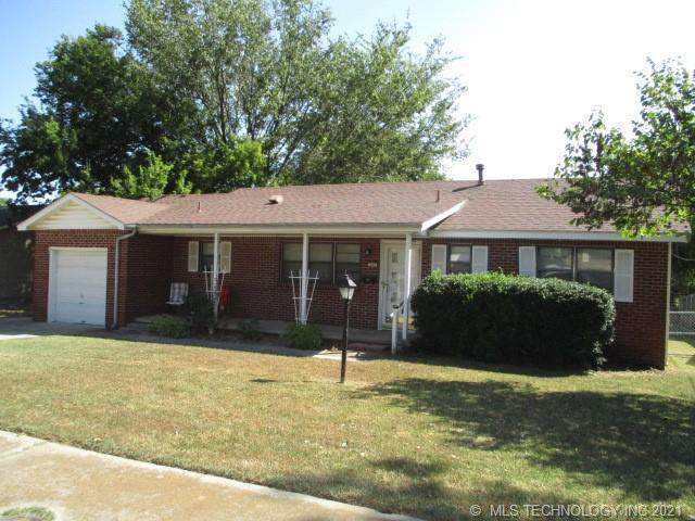 205 N 11th Street, Broken Arrow, OK 74012 (#2132617) :: Homes By Lainie Real Estate Group