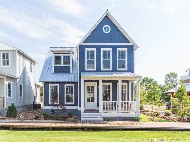 63 Boardwalk Avenue, Carlton Landing, OK 74432 (#2132632) :: Homes By Lainie Real Estate Group