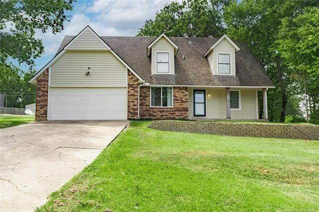 516 W 11th Avenue, Bristow, OK 74010 (MLS #2132721) :: Owasso Homes and Lifestyle