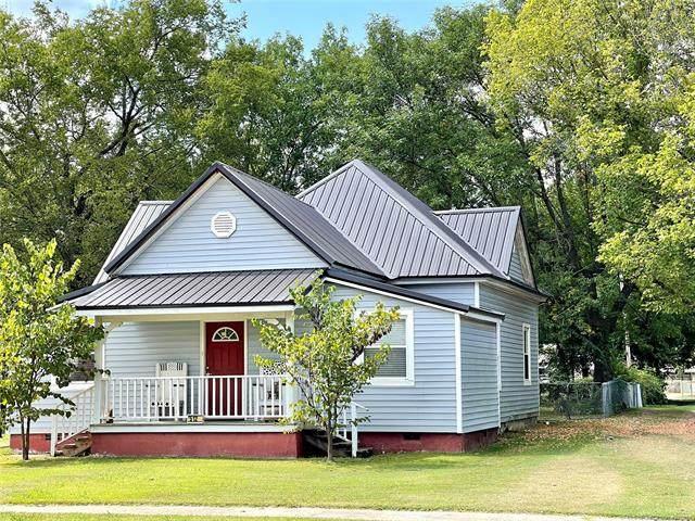 512 N Broadway Street, Checotah, OK 74426 (MLS #2132844) :: Active Real Estate