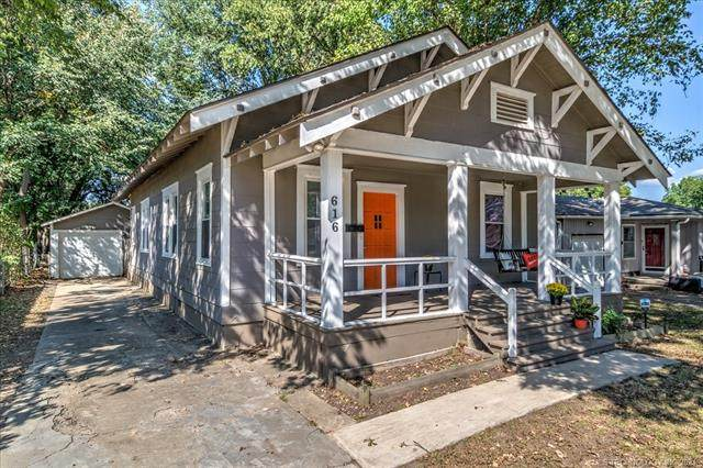 616 E 13th Street, Bartlesville, OK 74003 (MLS #2133049) :: Hopper Group at RE/MAX Results