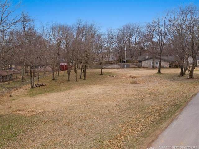 9782 E Forest Park Boulevard, Claremore, OK 74017 (MLS #2133065) :: 918HomeTeam - KW Realty Preferred