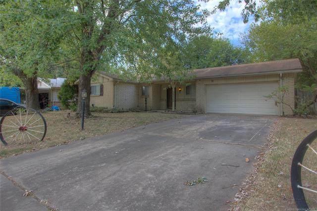 2332 S 119th East Avenue, Tulsa, OK 74129 (MLS #2133086) :: Owasso Homes and Lifestyle