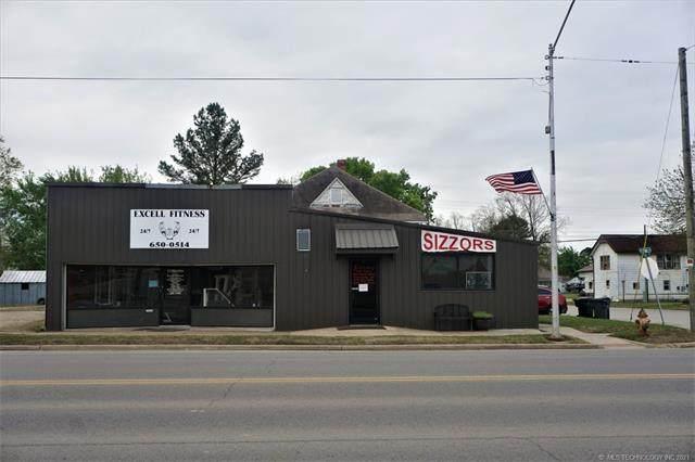 821 W Main Street, Henryetta, OK 74437 (MLS #2133105) :: Hopper Group at RE/MAX Results