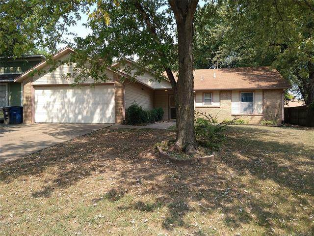 13815 E 24th Place S, Tulsa, OK 74134 (MLS #2133183) :: Owasso Homes and Lifestyle