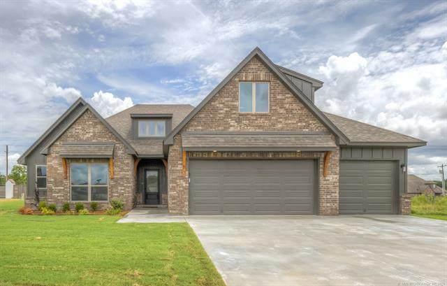 5142 S Walnut Creek Drive, Sand Springs, OK 74063 (MLS #2133201) :: Owasso Homes and Lifestyle