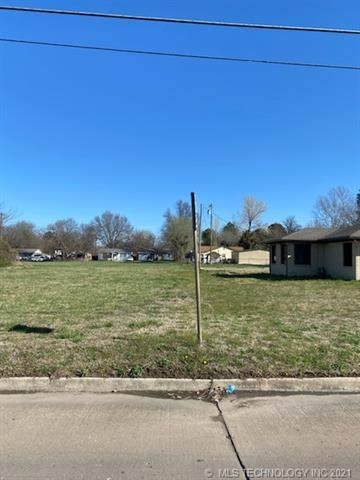 Broadway Street, Muskogee, OK 74401 (MLS #2133283) :: Hopper Group at RE/MAX Results